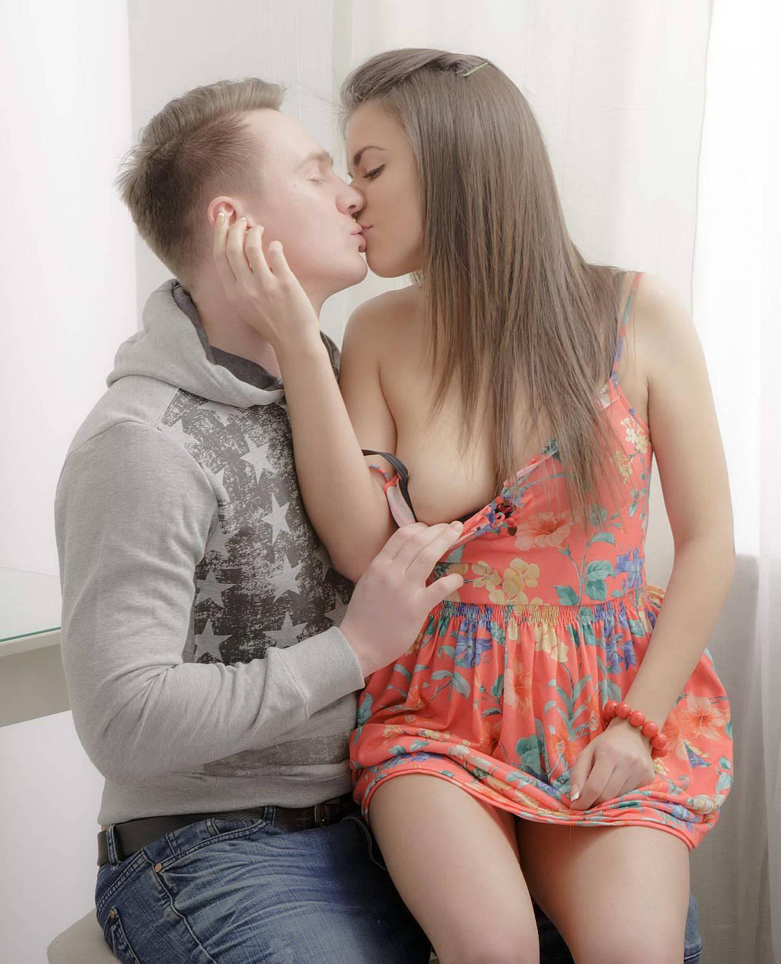 Секс в позе наездницы кавказских 18 летних подростков от ...
