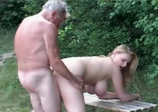 Мы с дедушкой трахаемся пока бабушка доит корову » Инцест ...