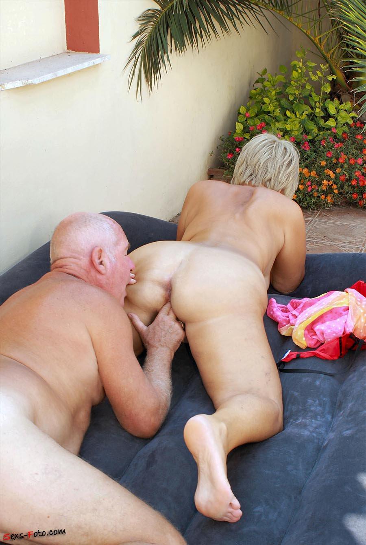 Круглые жопы зрелых и пожилых дам - смотреть онлайн порно ...