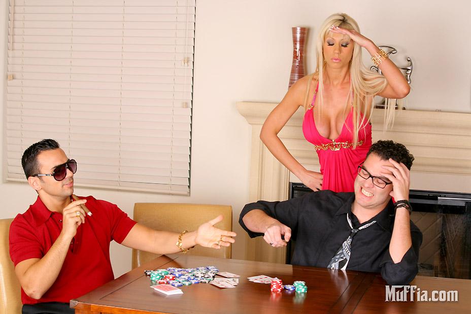 Кудрявая развратная женщина порно — photo 12