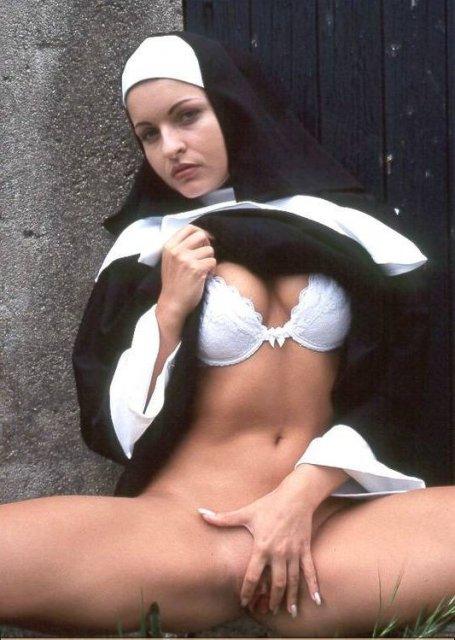 Сексуальные монашки в деревне ебля фото 226-489