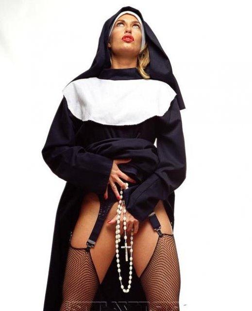 Монашка дрочит пизду фото 577-73