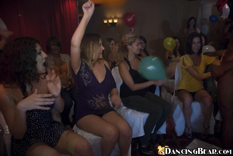 Русское порно групповое в клубах, смотреть как трахаются известные звезды