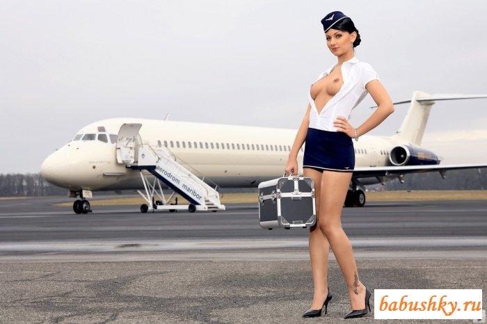 Порно стюардесса в чулках