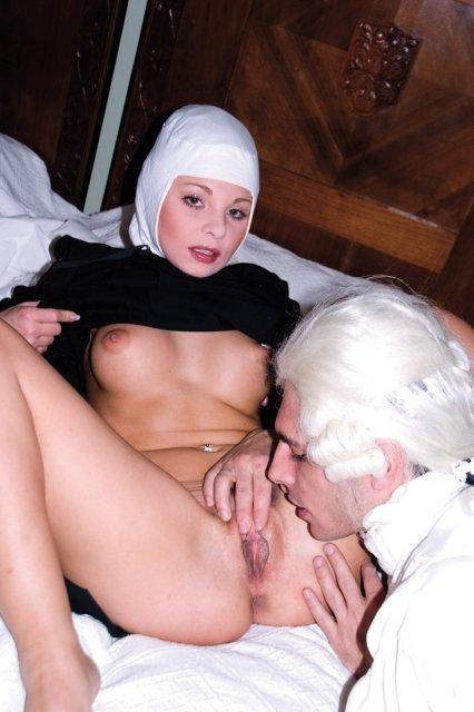 порно монашку раком