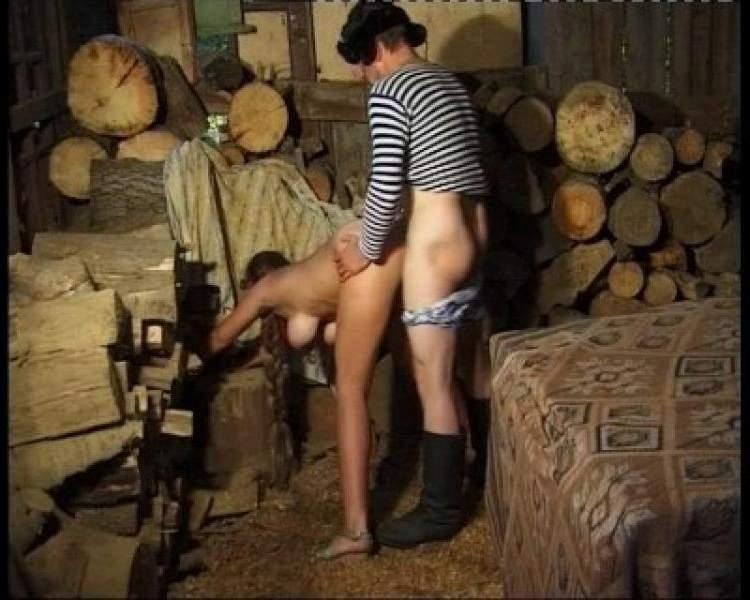 porno-porno-onlayn-russkie-filmi-kanikuli-v-derevne-spermi-litse-posle