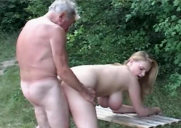 Деревенские девушки занимается сексам в деревне фото 164-923