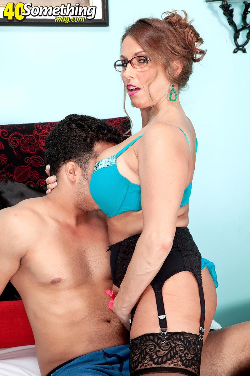 Порно видео зрелая в очках смотреть онлайн бесплатно