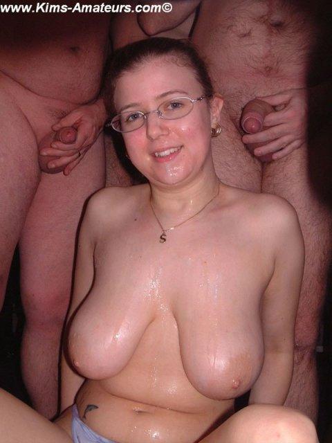 Секретарша с большими дойками и кончей на лице