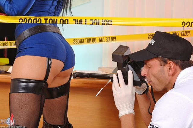 Полицейские в форме ебутся в анал