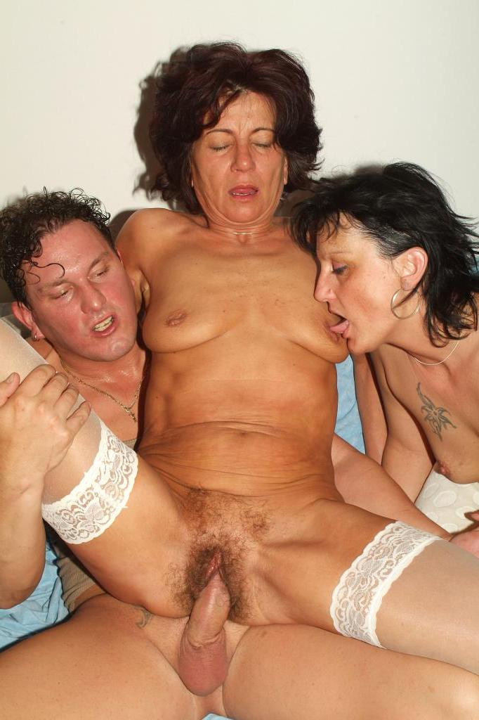 бабки любят порно